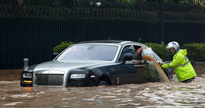 Mua ô tô đã qua sử dụng, hãy tránh xa xe đã từng bị ngập