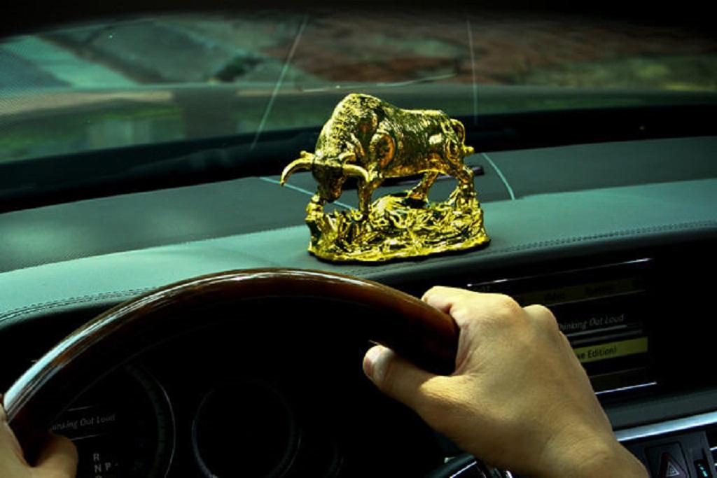Các đồ trang trí oto liệu có gây nguy hiểm cho lái xe