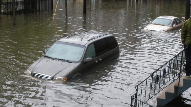 Mua xe cũ, kiểm tra xe ngập nước như thế nào ?